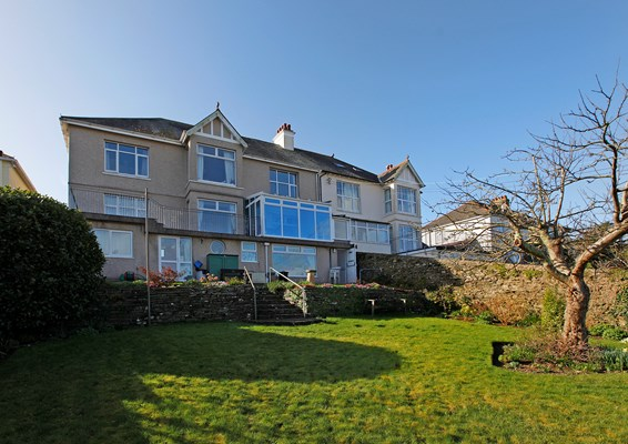 Welcome to Cresta House in Saltash, Cornwall